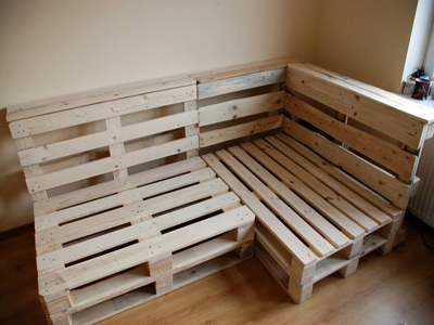 PALLET SOFA & TABLE