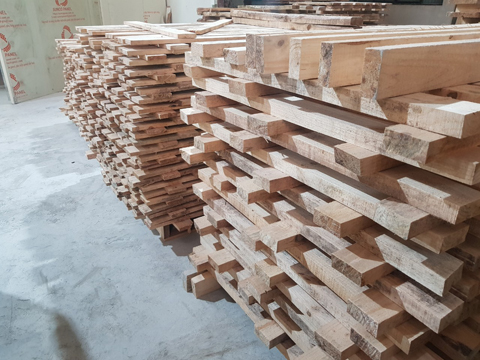 Sawn Pine Timber And Application in Interior